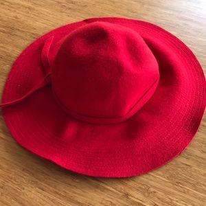 Accessories - Stunning Red Hat